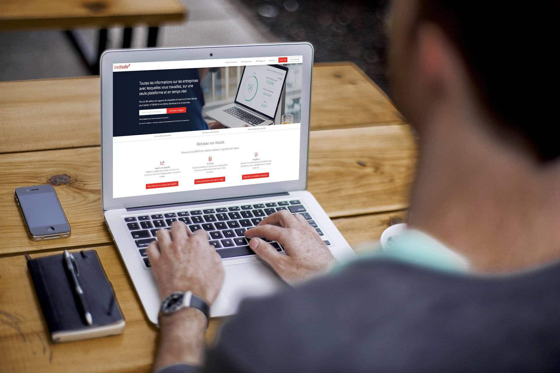 Logiciel CRM connecté à CreditSafe
